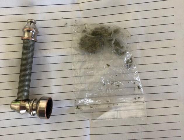 На «Ягодині» у пасажира авто виявили наркотики. ФОТО
