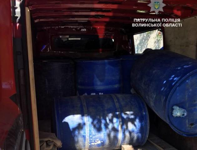 Не спирт, а вода – у Луцьку водій хотів перехитрити поліцейських. ФОТО