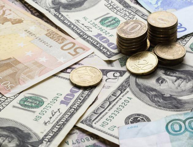 Курс валют на 17 липня: євро сильно подорожчав, долар трохи подешевшав