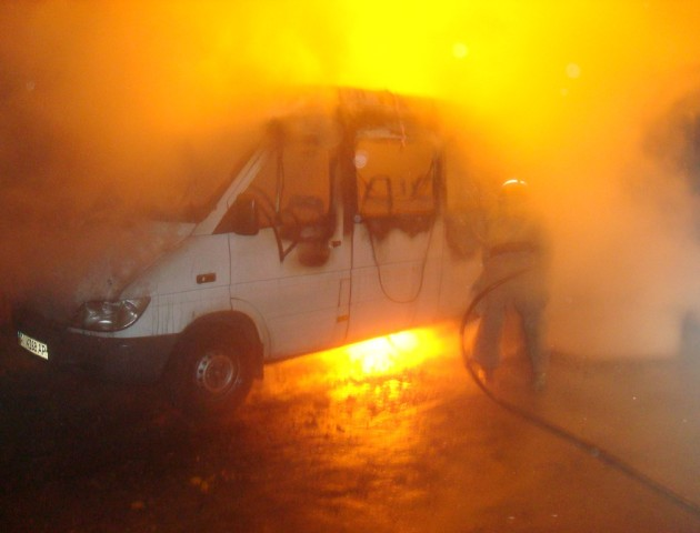 На автодорозі Ковель-Ягодин загорівся мікроавтобус