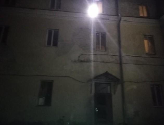 Без їжі, води та сну: лучани переночували в тюрмі. ФОТО