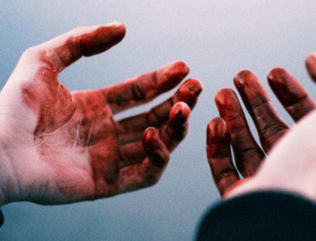 Кулаком у лице та ногами по тілу: росіянин через ревнощі вбив волинянина
