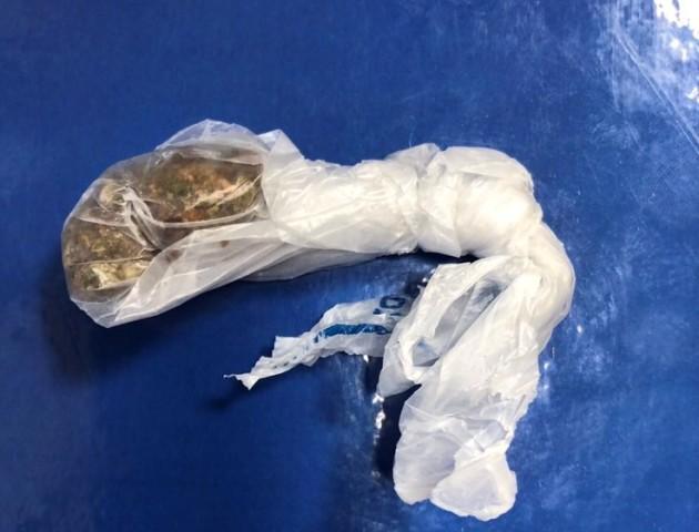 На Ягодині затримали жінку, яка перевозила наркотики у дамській торбинці