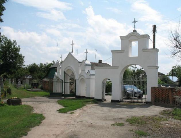 На кладовищі у Володимир-Волинському закінчуються місця