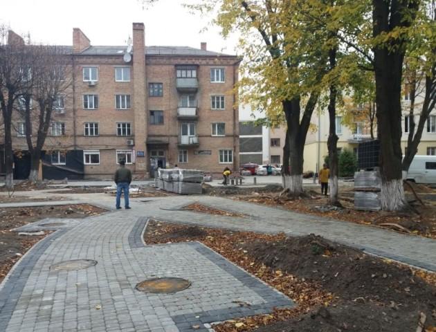 Показали, як проходить реконструкція колишнього квіткового ринку в центрі Луцька. ФОТО