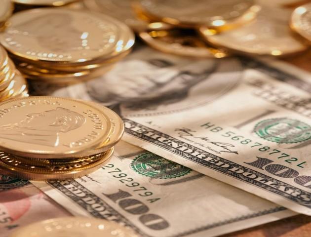 Курс валют на 12 лютого: долар та євро продовжують втрачати у ціні