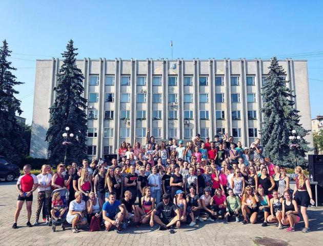 «Зіркова зарядка»: волинян тренував тренер Насті Каменських