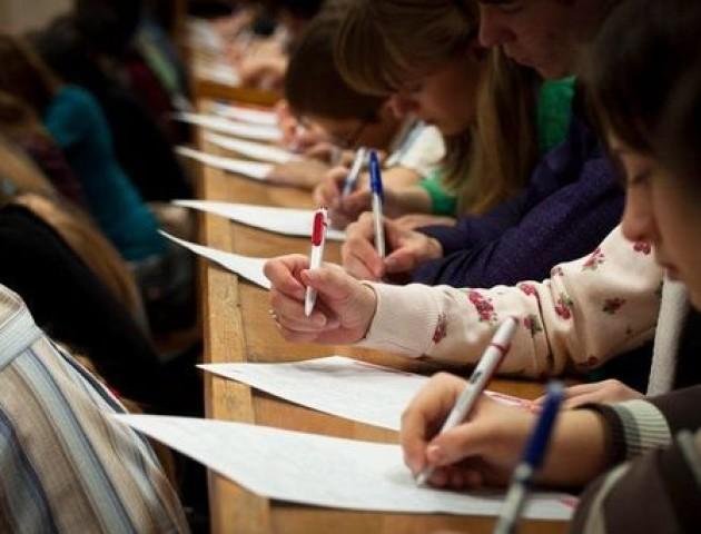 У День української писемності та мови українці писатимуть радіодиктант