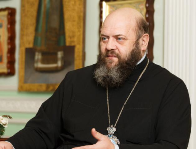 Владика Михаїл заспівав український гімн на Афоні. ФОТО