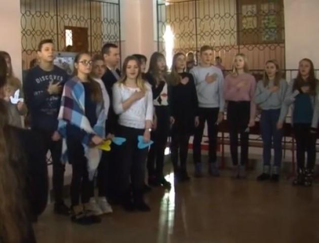 Батьки учнів 13 школи у Луцьку просять добудувати новий корпус. ВІДЕО