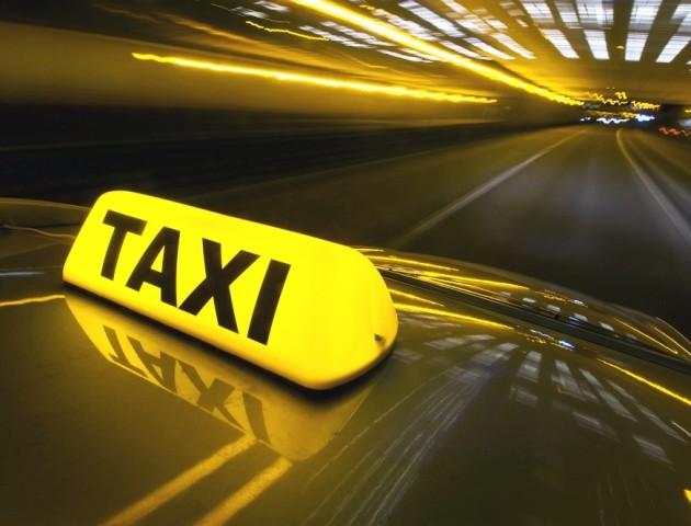 Лучани обурені сервісом місцевої служби таксі