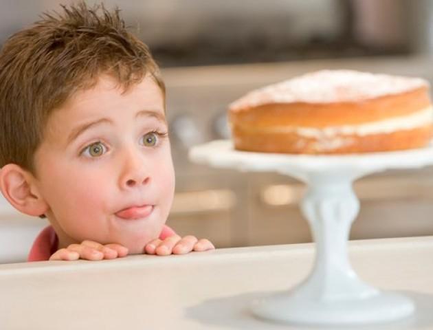 Дієтолог розповів, які солодощі можна давати дітям