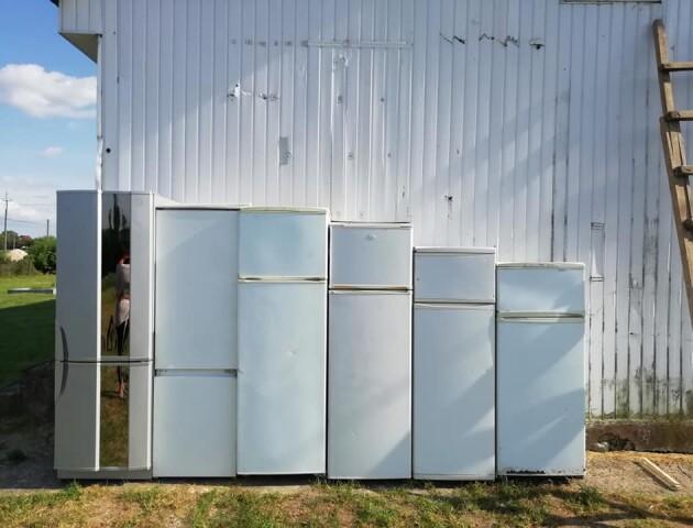 Книжки у холодильниках, читальний зал – в автомобілі. Під Луцьком відкривають унікальну бібліотеку
