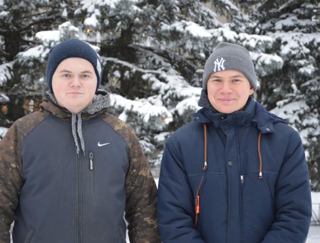 Двоє сиріт з Волині на Миколая отримали квартиру. ФОТО