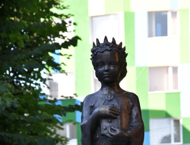 Цифра. Відомо, скільки коштує скульптура Анни Київської в луцькому сквері