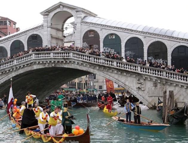 Волиняни побували на карнавалі у Венеції. ВІДЕО