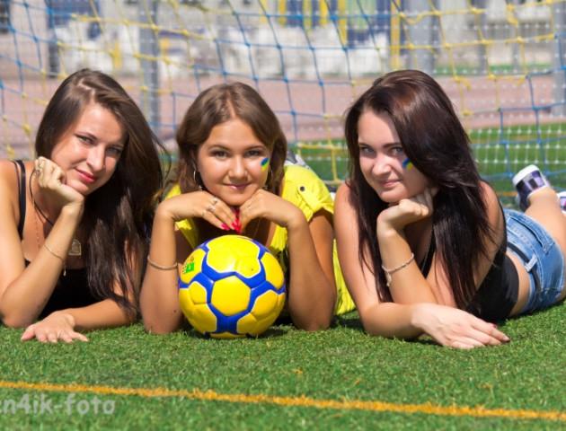Як у Луцьку жінки грали в футбол. ВІДЕО