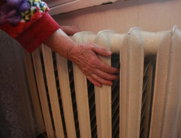 У люті морози мешканців будинку на вулиці 8 Березня у Луцьку позбавили тепла. ВІДЕО