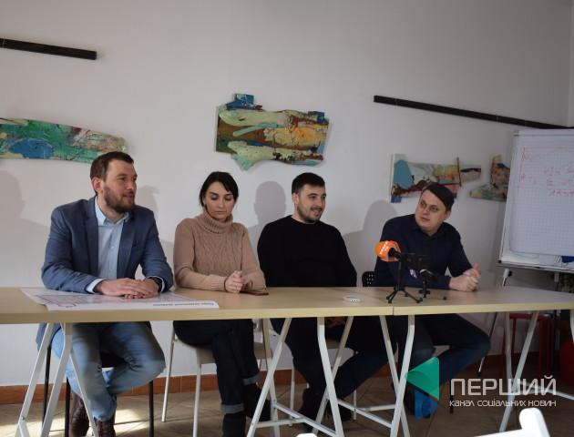 Депутати Луцької міськради пояснили, чому кидалися пляшками