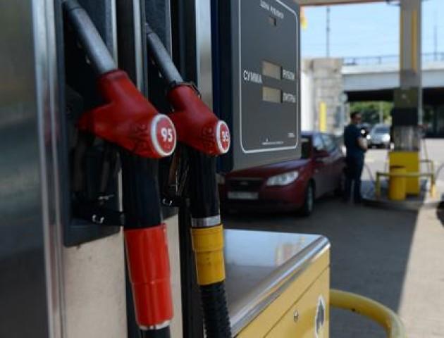 В Україні до кінця року подорожчає бензин