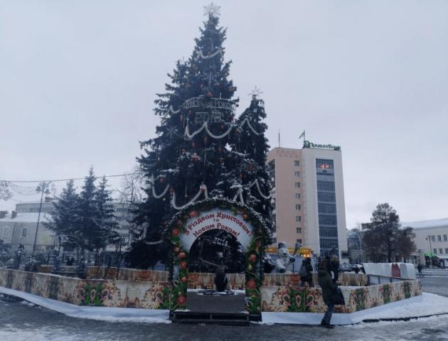 Різдвяно-новорічне містечко обійшлося Луцьку  майже  в 100 тисяч гривень