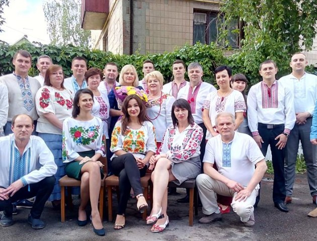 Волинські фіскали розпочали робочий день із вшанування української вишиванки