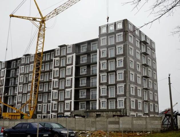 У ЖБК «Британія Хол» монтують житлові модулі