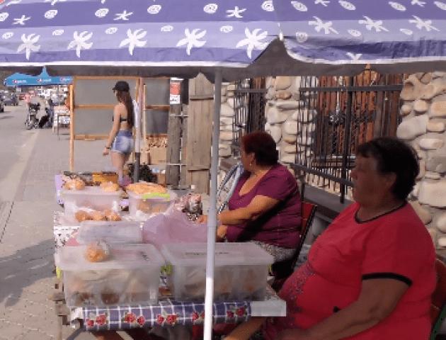Продавці розповіли, скільки заробляють на «світязьких» пончиках. ВІДЕО