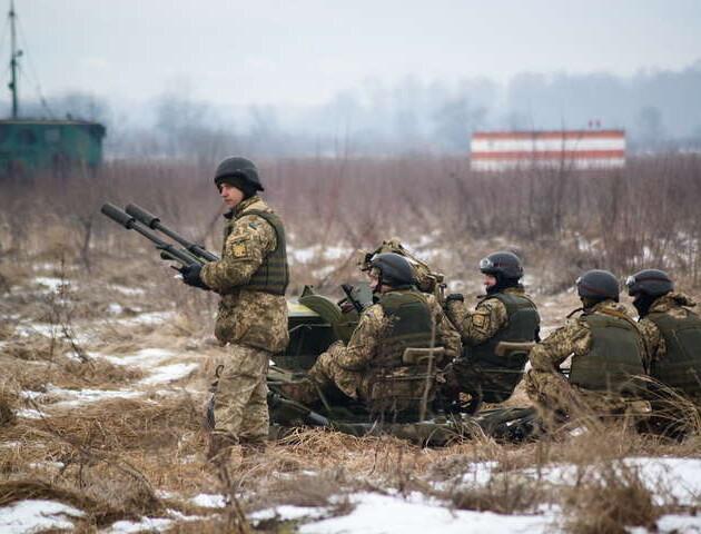 На Донбасі –загострення. Двоє військових загинули, одинадцятеро постраждали