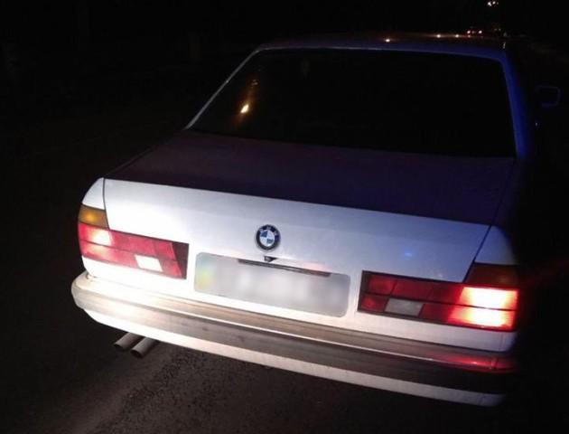 У Луцьку патрульні зупинили авто з фальшивими документами. ФОТО