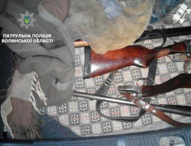 Зброя і підроблені документи – «улов» волинських патрульних за вихідні