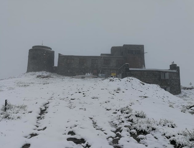 У Карпатах серед літа випав сніг. ФОТО