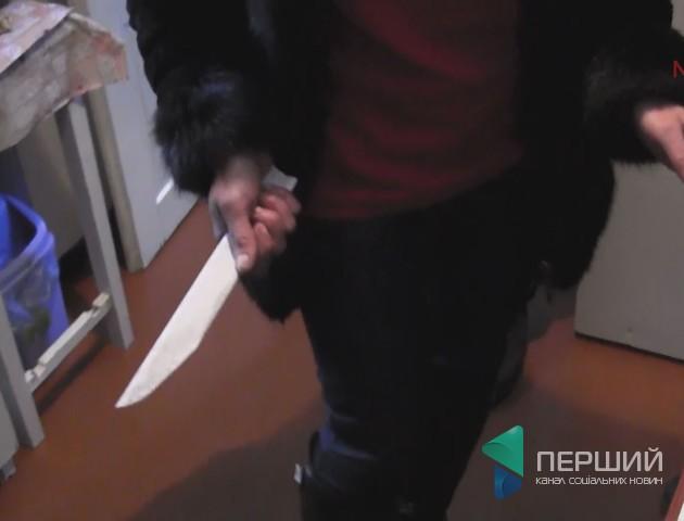 Вбивство з дитиною на руках: волинянка за вечерею зарізала чоловіка