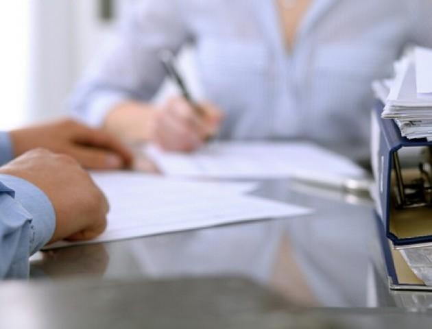 Волинські роботодавці «оформили» понад 8 тисяч працівників за місяць