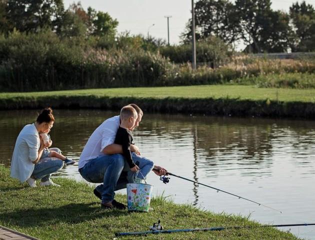 У луцькому парку хочуть заборонити рибалити