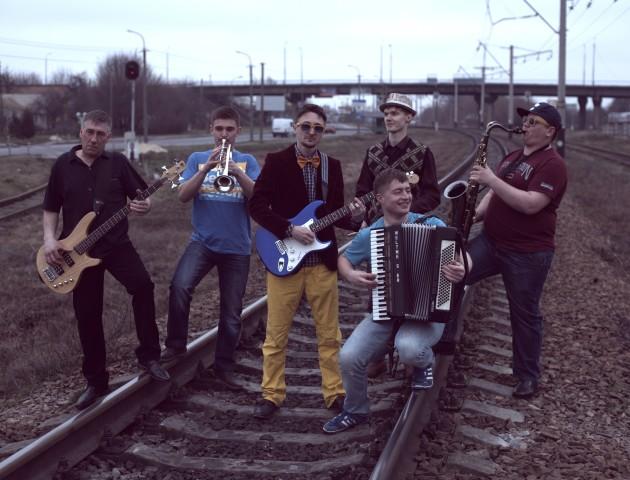 Луцький гурт «Давня Казка» випустили нову новорічну пісню «Снігурка»