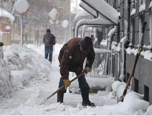 Тротуари у Луцьку обіцяють розчистити вже сьогодні