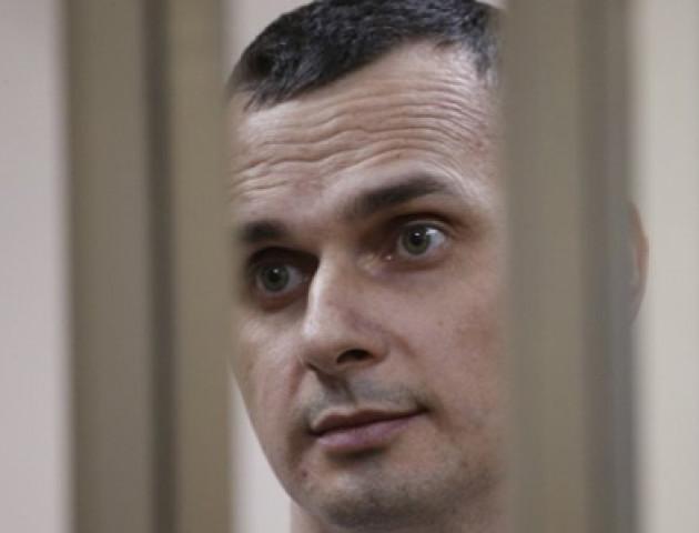 Сенцова привезли з колонії до лікарні на «обстеження»