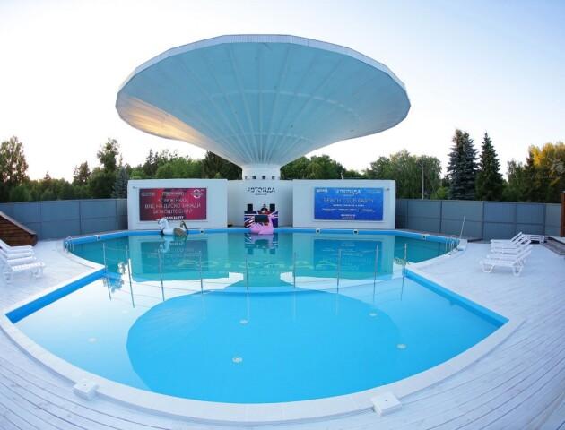 У луцькій «Ротонді» запрацював басейн. Якість води ретельно контролюватимуть