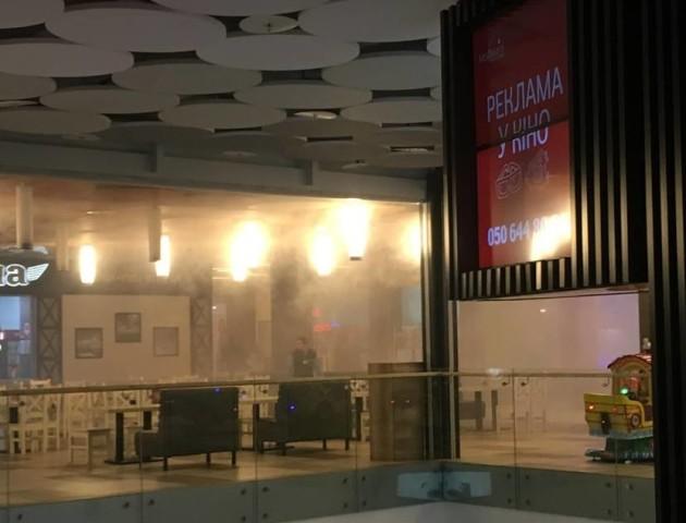 «Деякі працівники не хотіли покидати місця» в «ПортСity» прокоментували ситуацію з пожежею
