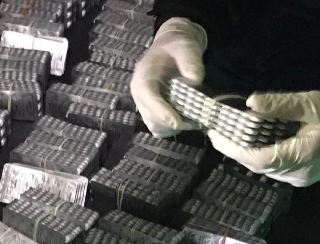 На Ягодині перекрили канал постачання наркотиків, які розвозили по всій Україні