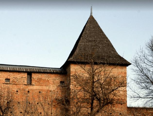 Вежу Чарторийських у Луцьку реставрують менше, ніж за рік. Що зроблять і за скільки