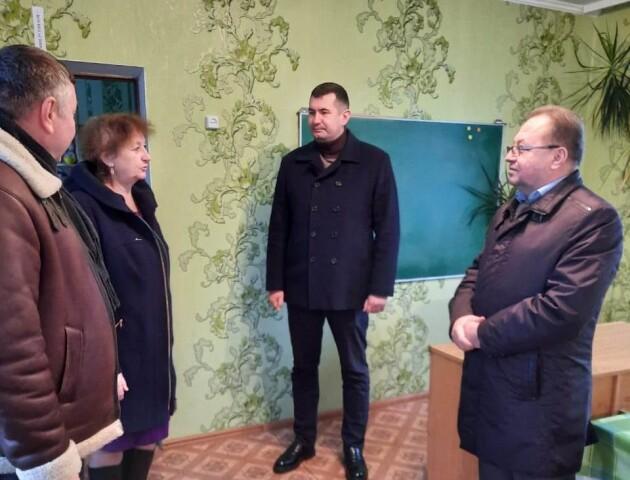 «Школа-інтернат у Заболотті обслуговує 6 районів». У Волиньраді інспектують комунальні заклади