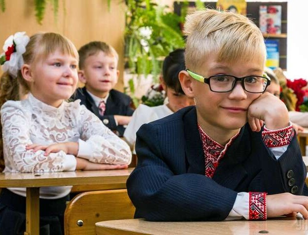 У школах Луцька даватимуть електронні квитки і місцевим, і приїжджим учням