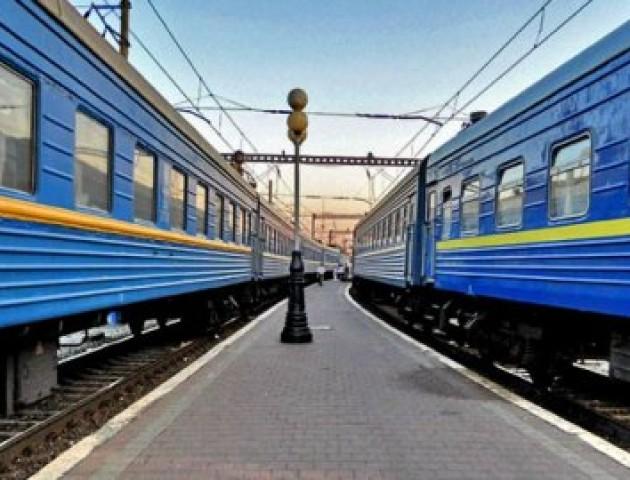 Волиняни можуть придбати у ПриватБанку квитки на додаткові серпневі потяги