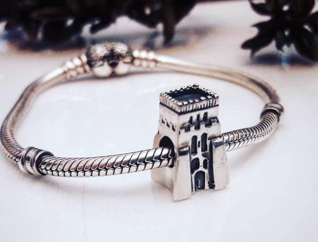 Замок Любарта на браслеті Pandora: лучанин створив унікальну прикрасу