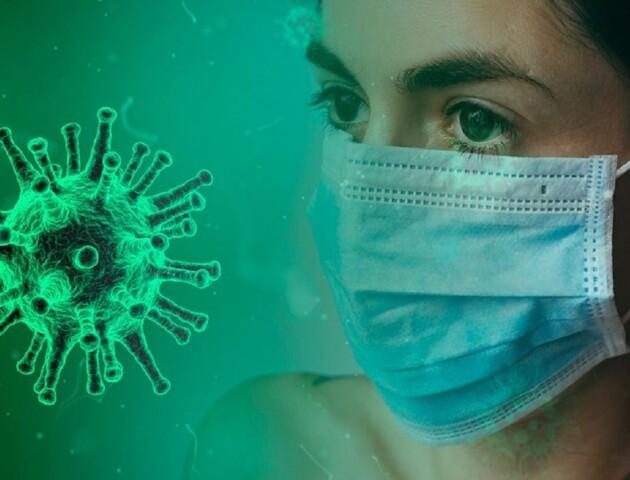 У Луцьку медики з інфекційної лікарні просять допомогти придбати захисні комбінезони