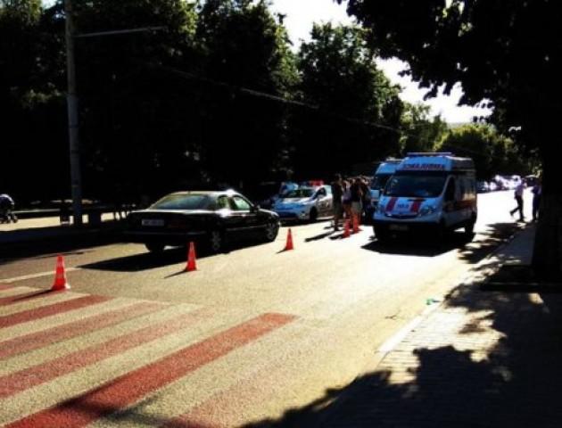 У Луцьку автомобіль збив двох дівчат