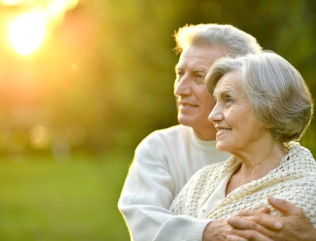Вчені пояснили, чому жінки живуть довше за чоловіків
