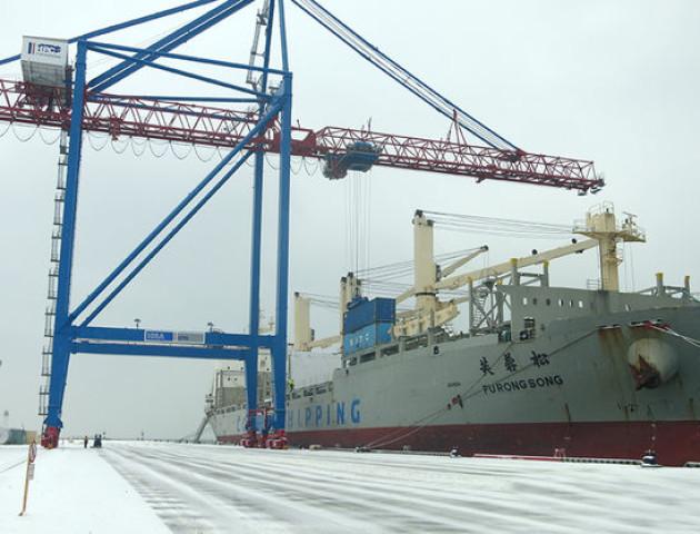 В Україну прибув переїзний асфальтний завод з Китаю